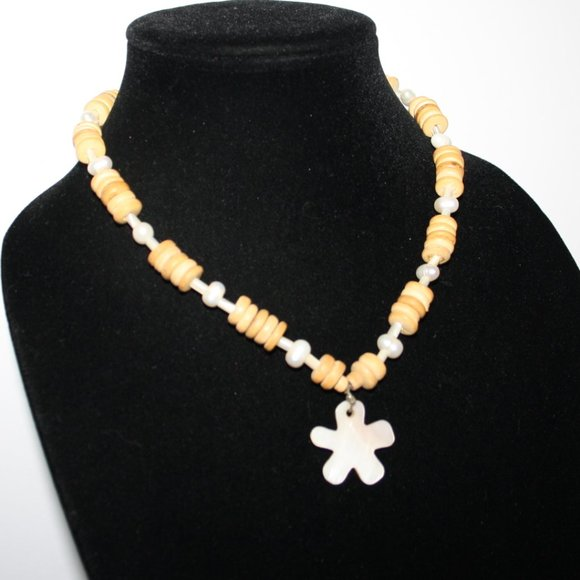 """Vintage Jewelry - Wood pearl and MOP necklace 18"""""""